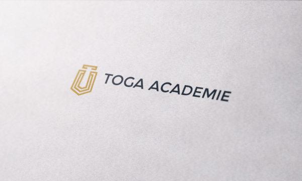 TogaAcademie-CloseUp-MockUp